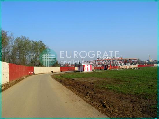 vallados industriales que delimitan el área del aeropuerto