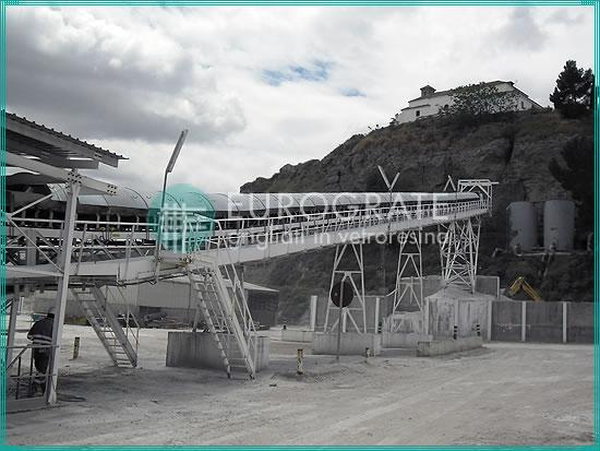 estructuras autoportantes de apoyo para el transporte de los materiales de la mina a la planta de procesamiento