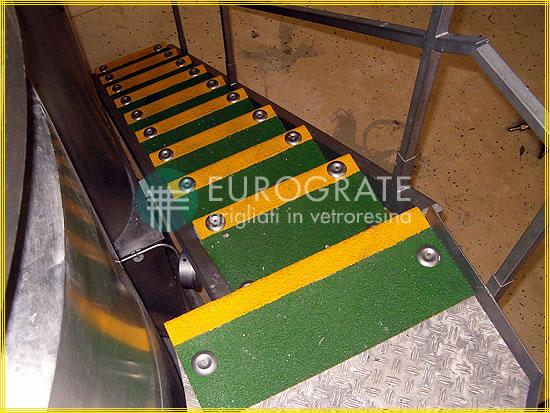 Cubre peldaños para la seguridad de las escaleras interiores