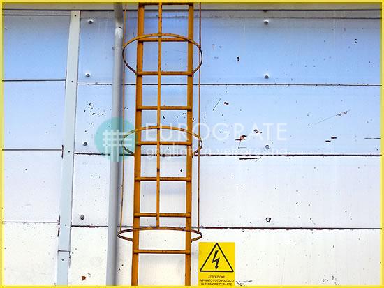 Cubre travesaños de fibra de vidrio para escaleras verticales
