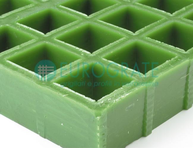 Rejilla con resina isoftálica autoextinguible