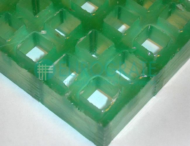 Rejilla con resina traslúcida